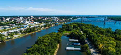 7 Best Stops On Illinois' Scenic Great River Road - TravelAwaits