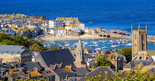 10 Romantic Small Towns To Visit In The United Kingdom - TravelAwaits