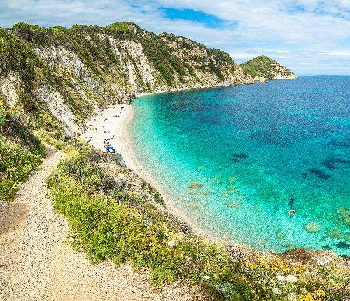 8 Gorgeous Hidden Beaches In Italy