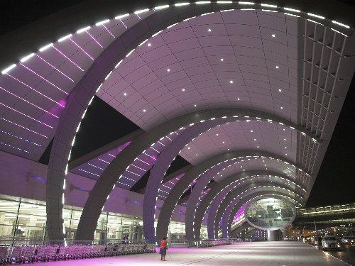 Dubai airport unveils fast-track passport control service