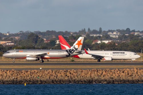 Qantas to keep HQ in Sydney, Jetstar head office in Melborne