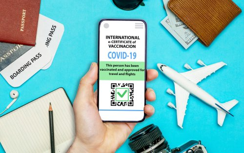 IATA warns of potential airport chaos over vaccine passport