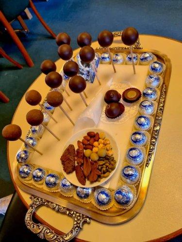 Salzburg kulinarisch erleben: original Mozartkugeln, Salzburger Nockerl im Stiftskulinarium, ein kulinarischer Spaziergang über den Mönchsberg und weitere Restauranttipps