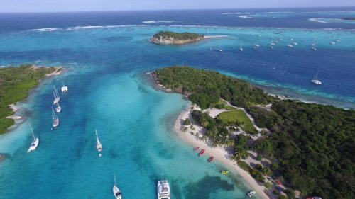 Caribbean Travel: The Ultimate Guide To Visiting Popular Caribbean Islands This Fall