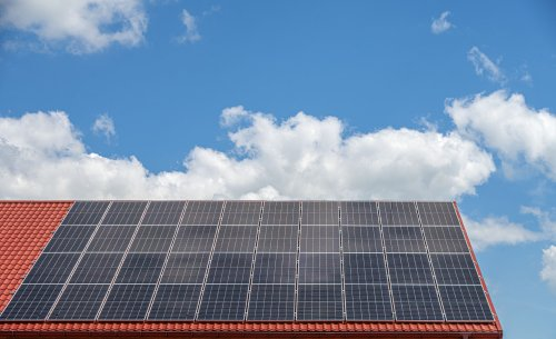 How Much Electricity Does a Solar Panel Produce?
