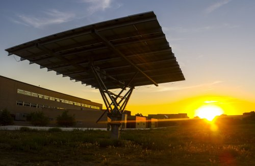 Solar Trackers Explained: How It Works, Pros and Cons