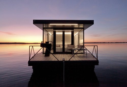 Loungeboat Is a Modern Floating Home For Touring Waterways