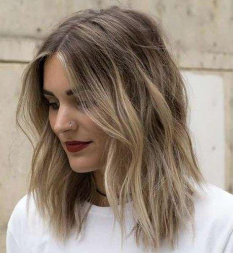 Best 16 Medium Short Haircuts for 2021