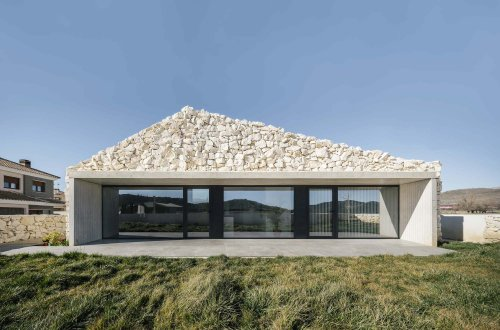 Casa Calixto: A house for the New Rural Resident [Spain]