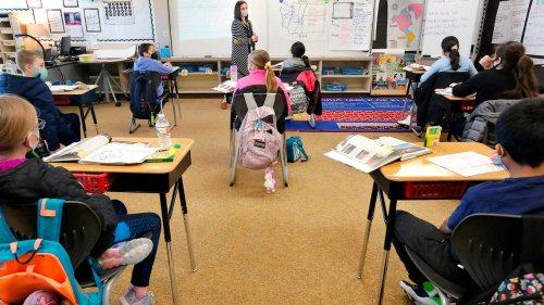 'Spineless.' Many Tri-Cities parents upset with local schools over new WA mask mandate