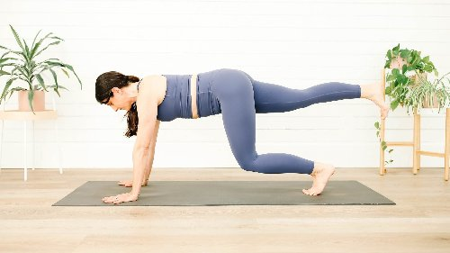 7 Poses to Take Your Core Strength to the Next Level – Triathlete