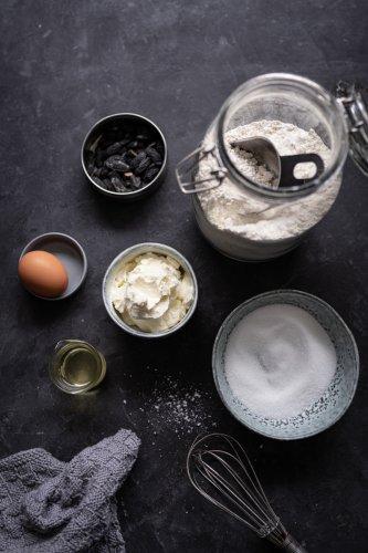Die leckersten Cheesecake-Schnecken mit Preiselbeeren – schnelles 45 Minuten Rezept mit Quark-Öl-Teig!