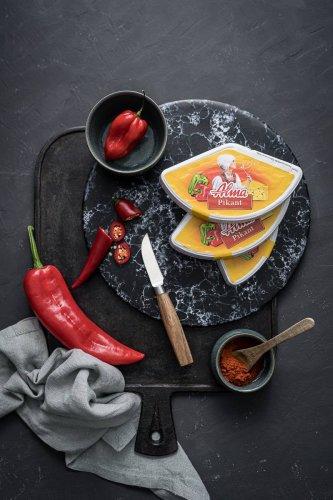 Schweinemedaillons im Speckmantel mit Paprika-Gin-Rahmsauce – easy und lecker im Ofen gratiniert