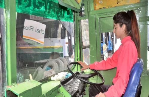 Shattering Stereotypes, This Badass 21 Year Old Became an HRTC Bus Driver in the Mountains
