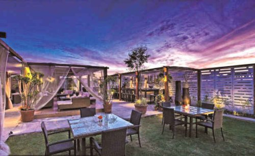 7 Fancy Places in Delhi Where You Can Chew With a View
