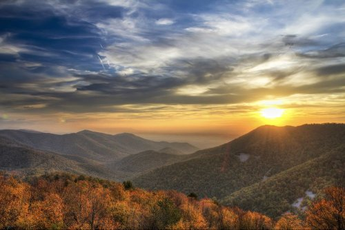 The Best US National Parks for Fall Foliage