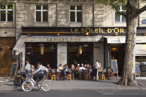 A Guide to Tipping in France