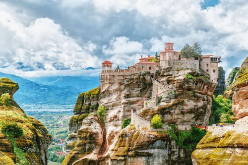The Top 8 Hikes in Greece