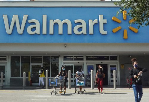 Predatory Banks at Walmarts Made Over 100 Percent of Profits From Overdraft Fees