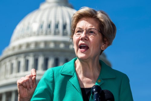 Warren, Sanders Propose Permanently Expanding College Students' Access to SNAP
