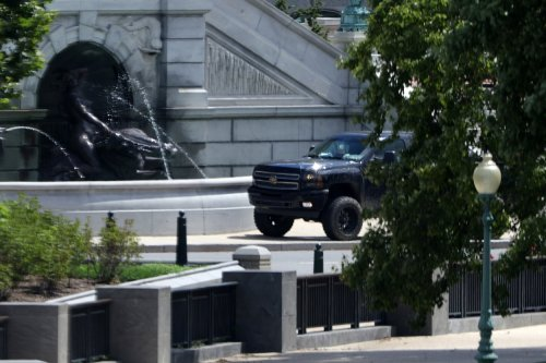 """Mo Brooks Criticized for Sympathizing With DC Bomb Threat Suspect's """"Anger"""""""