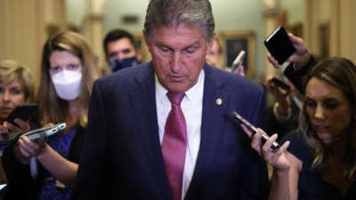 Manchin Donated to Defense Fund of Republican Investigated for Insider Trading