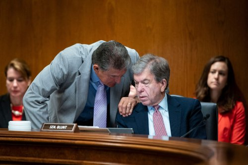 Leaked Call Reveals Manchin Colluding With Wall Street to Preserve Filibuster