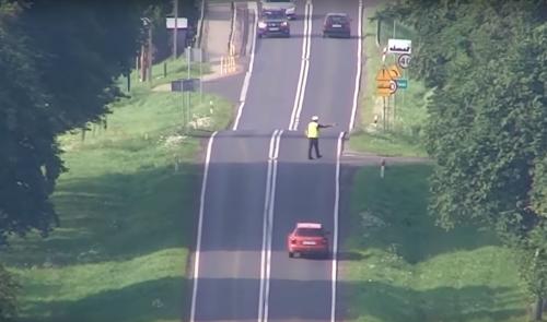 VIDEO - Les drones de la police Polonaise sont redoutables