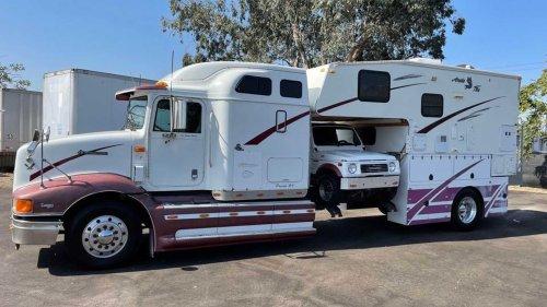 Moitié camping-car, moitié camion, cet étrange véhicule est à vendre