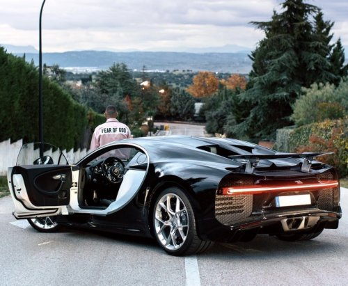 Karim Benzema, un roi en Bugatti