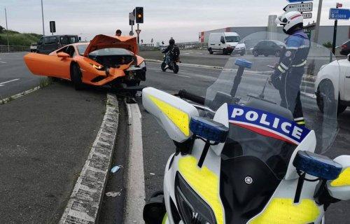 Prison ferme pour l'invité du mariage qui faisait n'importe quoi en Lamborghini