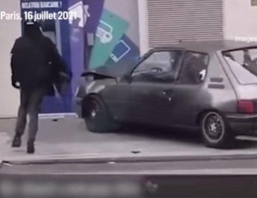 VIDEO - Deux braqueurs de banque se ridiculisent en Peugeot 205 !