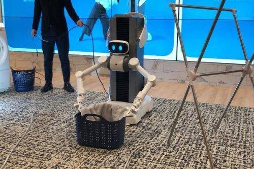 Sauber! Der japanische Roboter Ugo macht Deine Wäsche