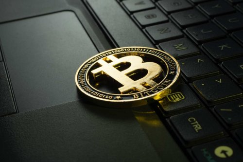 С криптовалютной биржи Binance вывели биткоины более чем на $1 млрд