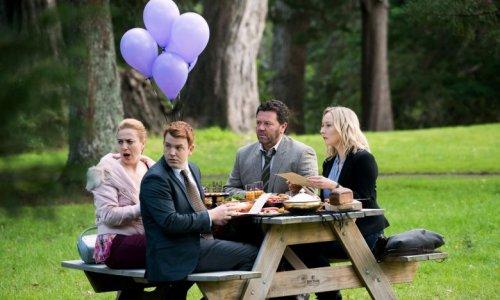 Brokenwood: Staffelstart mit einem Toten, der vom Himmel fällt