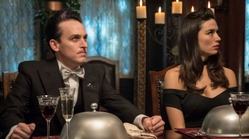 'Gotham': Robin Lord Taylor Previews a 'Most Gnarly' Dinner Scene