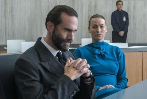 The Handmaid's Tale's Joseph Fiennes Tees Up the June/Fred Showdown That Is 'My Favorite Scene' of Season 4