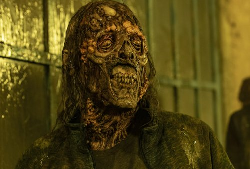 Fear the Walking Dead Delivers a Shocking First for the Franchise