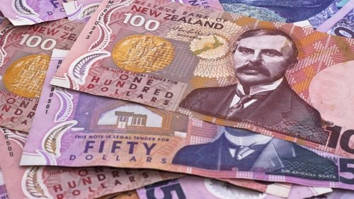 Bank deposits up to $100,000 to be guaranteed by Government
