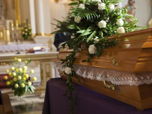 Auckland family let through checkpoint without exemption to attend funeral