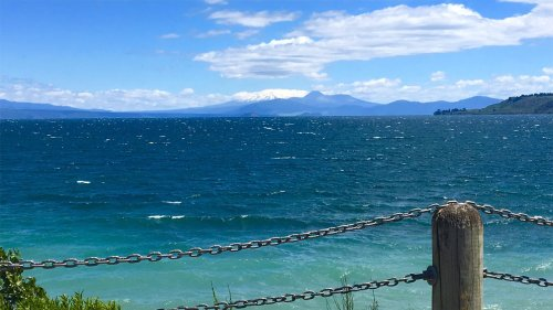 Few businesses paying to use iwi-owned Lake Taupō