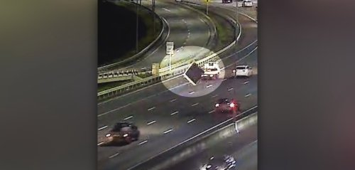 Pile-up on Auckland motorway as mattress flies off car roof