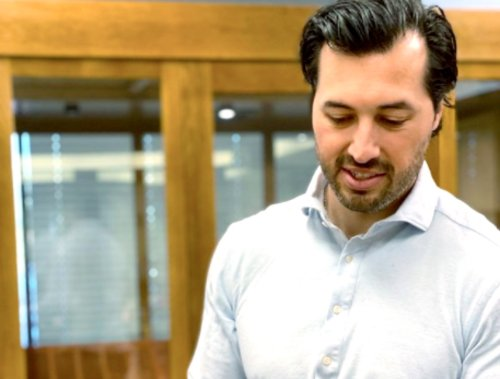 Jeremy Vuolo Accused of Photoshopping Hairline in Book Cover Photo