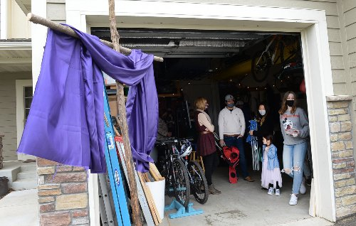 Micro-churches spread to cul-de-sacs, driveways, homes in Twin Cities during pandemic