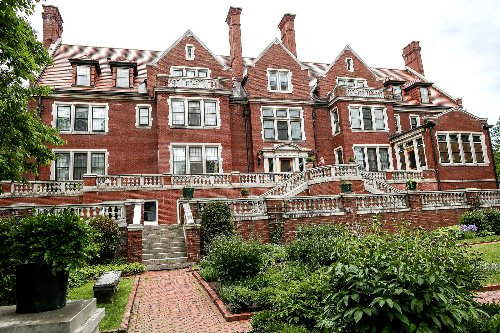 MN drone video team swoops through Duluth's Glensheen Mansion