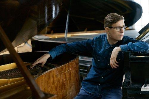 Icelandic pianist Víkingur Olafsson will serve as the featured artist for the 2021-22 Schubert Club International Artist Series