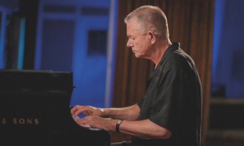 Richard Carpenter Shares Piano Rendition Of 'Close To You'