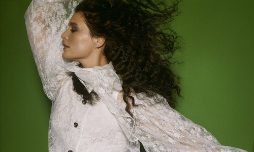 Jessie Ware Offers 'Hot N Heavy' From 'What's Your Pleasure? Platinum'