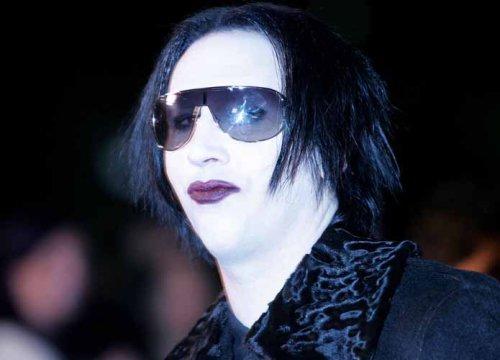 Marilyn Manson Turns Himself In On New Hampshire Arrest Warrant