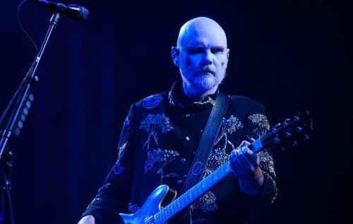 """Smashing Pumpkins perform """"Quiet"""" for the first time in 27 years at Riot Fest"""